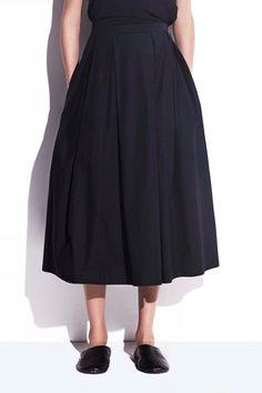 Joyan är en feminin kjol i Styleins krispiga bomullskvalitet. - Stylein