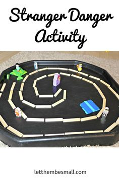 see this stranger danger tuff spot activity - perfect for preschool and age children Safety Rules For Kids, Safety Week, Child Safety, Teaching Safety, Teaching Kids, Teaching Resources, People Who Help Us, Summer Safety, Tuff Spot