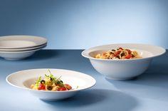 Villeroy & Boch Flow Pastaset: Het Flow servies heeft prachtige vloeiende lijnen, verrassende vormen en fantasierijke details. #tafelen #dineren