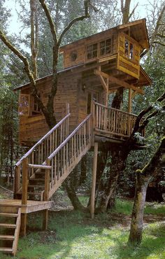My kids want a tree house - this would be incredible! Backyard Ideas #backyard, #ideas