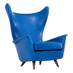 Mid Century Italian Wingback Chair Reupholstered from the – obsessed with the shape, legs, and the cerulean blue leather Metal Chairs, Cool Chairs, Blue Chairs, Lounge Chairs, Desk Chairs, Accent Chairs, High Chairs, Furniture Chairs, Office Chairs