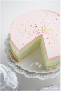 Rainbow cheesecake, coloré et gourmand ^^ #cheesecake #rainbow #750grammes http://www.750g.com/recettes_cheesecake.htm