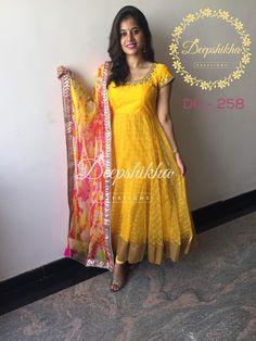Salwar Neck Designs, Dress Neck Designs, Kurta Designs Women, Blouse Designs, Churidar Designs, Long Gown Dress, Saree Dress, Long Frock, Long Gowns