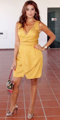 Catarina Furtado Kate Beckinsale, Famous People, Ideias Fashion, Wrap Dress, Actresses, Summer Dresses, Portuguese, Portugal, Angels