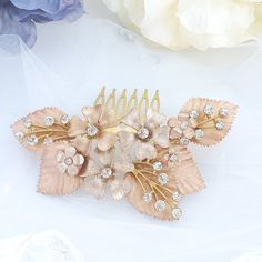 Hey, I found this really awesome Etsy listing at https://www.etsy.com/listing/602305231/gold-bridal-hair-accessory-golden-bridal