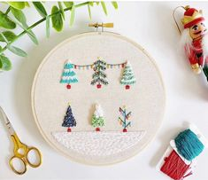 66 cute and simple christmas crafts Ideas for kids, christmas crafts for kids to make, diy christmas gifts, diy christmas crafts Diy Embroidery Designs, Embroidery Boutique, Christmas Embroidery Patterns, Hand Embroidery Patterns, Snowflake Embroidery, Embroidery Stitches, Cross Stitches, Cactus Embroidery, Simple Embroidery