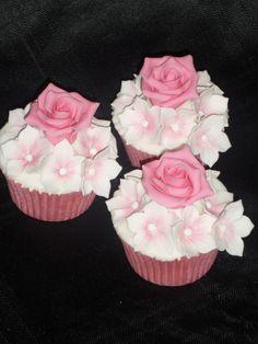 Rose & Petunia Cupcakes :)