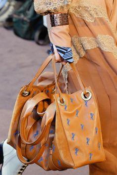 Chloé Fall 2018 Ready-to-Wear Fashion Show Details