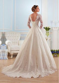 Buy discount Glamorous Tulle Bateau Neckline Ball Gown Wedding Dress With Lace Appliques at Laurenbridal.com