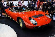 #Lamborghini #Miura au salon Retromobile à #Paris Reportage complet : http://newsdanciennes.com/2016/02/08/grand-format-retromobile-2016/ #Vintage #VintageCar