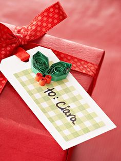 Berry Happy Holiday Gift Tag #giftwrap #gifttag #diy