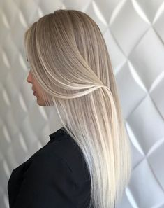 27 Best Colours To Look At In 2019 All Things Hair UK blonde ombre hair - Ombre Hair Best Ombre Hair, Ombre Hair Color, Hair Color Balayage, Hair Highlights, Color Streaks, Color Highlights, Silver Blonde Hair, Blonde Hair Shades, Blonde Hair Looks