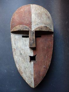 Maison de ventes aux enchères en ligne Catawiki: Masque africain - ADOUMA - Gabon