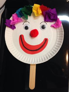 Paper plate clown Clown Crafts, Circus Crafts, Carnival Crafts, Circus Activities, Fun Activities For Kids, Creative Activities, New Year's Crafts, Summer Crafts, Crafts For 2 Year Olds