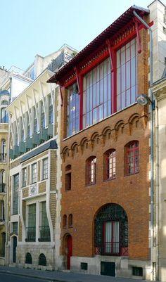 Rue Cassini. Balzac, Alain-Fournier et Jean Moulin ont habité cette rue près de l'Observatoire.