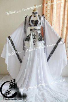 Kimono Fashion, Lolita Fashion, Fashion Dresses, Pretty Dresses, Beautiful Dresses, Pretty Outfits, Traditional Dresses, Traditional Fashion, Cosplay Outfits