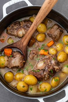 Braised Oxtail Recipe (One Pot) - Momsdish Oxtail Slow Cooker, Beef Oxtail, Braised Oxtail, Oxtails In Crockpot, Oxtail Recipes, Slow Cooker Recipes, Soup Recipes, Cooking Recipes, Slow Cooking