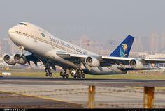 Full take off thrust. #SaudiArabian Boeing 747-168B HZ-AID @CSIAMumbai