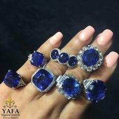 We got the blues and it feels so good! A handful of sapphire rings www.vintagesignedjewels.com ⚜️💙⚜️#yafa #vintagesignedjewels #sapphire  #luxury #thebest #estatejewelry #signedjewelry #authentic #newyork #palmbeach #palmbeachjewelryartandantiqueshow #vancleef #harrywinston #cartier #bulgari