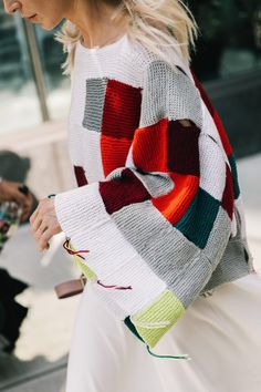 The new en trend couture fashion way to inspire you to use up all those scrap yarns and knitted squares that goes way beyond the granny blanket NYFW Street Style IV Knitwear Fashion, Knit Fashion, Winter Typ, Knit Art, Looks Street Style, Collage Vintage, Shirt Designs, How To Purl Knit, Knitted Blankets