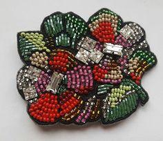 """Новенькая ) 4500т.р.Очень эффектная и яркая,прямоугольные и квадратные камни """" сваровски""""в огранке придают брошке особый шарм.7на 6 см."""