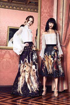 Guarda la sfilata di moda Alice + Olivia a New York e scopri la collezione di abiti e accessori per la stagione Collezioni Autunno Inverno 2017-18.