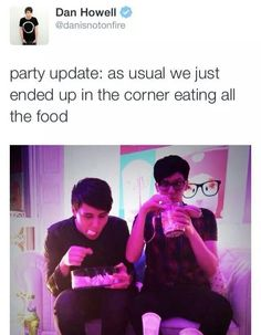As usual, we ended up in the corner eating food || Dan and Phil | Danisnotonfire | Amazingphil | <3 these beautiful people