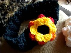 http://www.mikeyssmail.com This is an imitation head band that Siobhan Magnus has worn on American Idol. Her new style of bringing back crochet to fashion is brilliant. This is a step by step tutorial on following through this entire project.  Welcome: Michael Sellick aka Mikey. Many patterns as seen on our YouTube Channel can be found on The Cr...