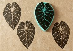 Hand carved rubber stamp of a long tropical leaf - tropical decor - stamp Stamp Printing, Printing On Fabric, Homemade Stamps, Eraser Stamp, Stamp Carving, Tropical Decor, Tropical Interior, Tropical Leaves, Gravure
