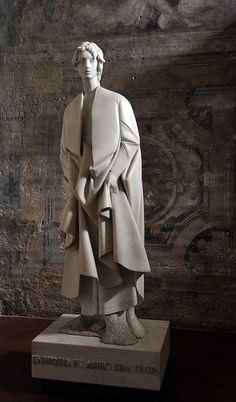 Giacomo Manzù (pseudonym of Giacomo Manzoni ) Modern Sculpture, Sculpture Art, Supreme Art, Traditional Sculptures, Italian Sculptors, Art Model, Art Studios, Ceramic Art, Style Guides