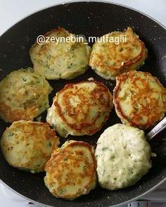 """1,026 Beğenme, 42 Yorum - Instagram'da Zeyneb Aslanboğa (@zeynebin_mutfagiii): """"Selamlar hanımlar 😚 kahvaltı sofralarının vazgeçilmez lezzeti😋 olucak bir tarif sizlerle 5 dkk…"""" Bread Recipes, Cake Recipes, Cooking Recipes, Breakfast Items, Turkish Recipes, Bakery, Recipies, Brunch, Food And Drink"""