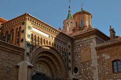 DSC0017 Spanje Aragon Teruel kathedraal Santa Maria Mediavilla hoofdportaal 031012