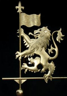 Lion Rampant Weathervane, gilded version, photo  for the castle wing of the house