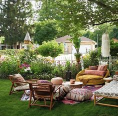 How cozy is this backyard? 😍 We rounded up all of hottest outdoor trends just for you and (spoiler) there's a *big* emphasis on… Outdoor Rooms, Outdoor Gardens, Outdoor Living, Outdoor Furniture Sets, Outdoor Decor, Fresco, Patio String Lights, Pergola Lighting, Outside Living