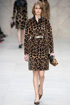 Sfilata Burberry Prorsum London - Collezioni Autunno Inverno 2013-14 - Vogue...I want the bag !!!!!