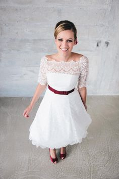 Young funny cheeky and absolutely adorable even a short wedding dress Kleider Beautiful Wedding Gowns, Wedding Dress Styles, Bridal Dresses, Flower Girl Dresses, Wedding Dress Silhouette, Ball Gowns, Casual Dresses, Wedding Inspiration, Banjos