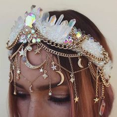 Maybe for the repetition of our handfasting photos - - ? Maybe for the repetition of our handfasting photos – - Mermaid Crown, Mermaid Style, Diy Jewelry Inspiration, Style Inspiration, Handfasting, Diy Schmuck, Tiaras And Crowns, Festival Outfits, Festival Style