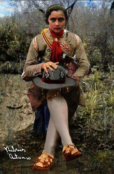 A Mais Bonita!!!  Maria Bonita em 1936, na foto tirada pelo libanês Benjamin Abrahão Botto