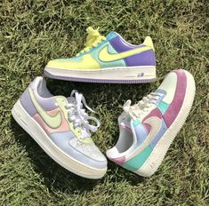 crisheeta – – crisheeta – – Related posts: pin↠juliatops vsco↠juliatops – – cute nike airs – She Lily ⚡ – – 80s Shoes, Sock Shoes, Cool Nike Shoes, Aldo Shoes, Shoes Men, Suede Shoes, Women's Shoes, Lolita Outfit, Tenis Vans