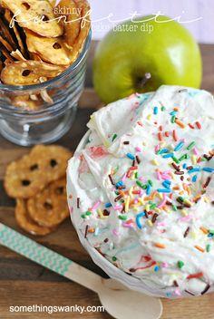 Skinny Funfetti Cake Batter Dip | www.somethingswanky.com