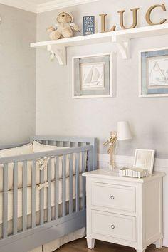 Quarto de bebê em azul e bege com tema marítimo - Constance Zahn   Babies & Kids