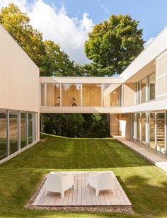 atelier-pierre-thiebault-architects-la-grande-passerelle-canada-designboom-02