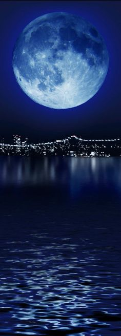 Blue moon over the city. #blue #moon