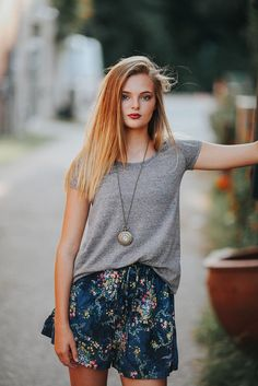 the perfect T shirt plus boho high waisted floral shortie shorts, boho style, easy style