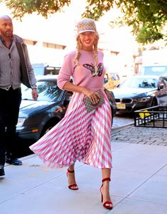 Let's play a game: how many times can Beyoncé wear Gucci in a week? The star stepped out in another look laden by pieces from the iconic Italian fashion house. This time, she chose a Gucci GG Logo Cap, $1,200 Pink Intarsia Merino Wool Knit Butterfly Sweater, $2,200 Pleated Metallic Striped Stretch Silk Midi Skirt, […]