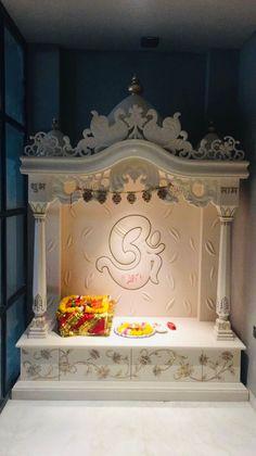 Pooja Room Door Design, Home Room Design, House Design, Bed Design, Temple Design For Home, Mandir Design, Showroom Design, Interior Design, Wooden Door Design