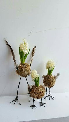 Our online shop:. Summer Flower Arrangements, Floral Arrangements, Diy Osterschmuck, Easter Flowers, Deco Floral, Flower Bird, Diy Easter Decorations, Hoppy Easter, Easter Wreaths