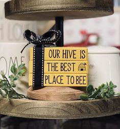 Bee Crafts, Decor Crafts, Wood Book, Stack Of Books, Mini Books, Bee Theme, Country Farmhouse Decor, Tray Decor, Fall Decor
