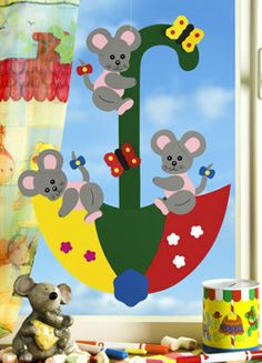 Mouse dance on the screen - Barbara& craft worldMouse dance on the screen - Barbara& craft world 40 Pretty Paper Flower Crafts, Tutorials & Ideas What could be more lovely than flowers in bloom. Paper Flowers Craft, Flower Crafts, Paper Crafts, Fall Classroom Decorations, Class Decoration, Kids Art Class, Art For Kids, Diy Arts And Crafts, Fall Crafts