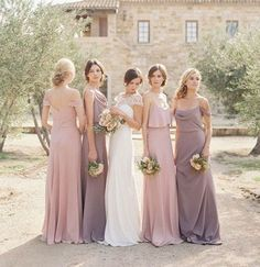 Mismatched Bridesmaid Dresses: Style Tips and 10 Best Combinations - EverAfterGuide #kidoutfits